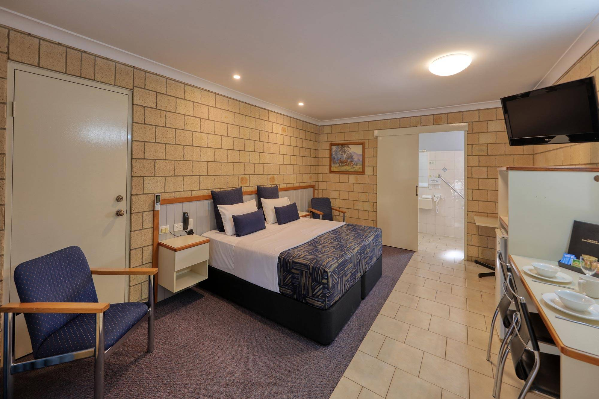 st-george-motel-disabled-king-room (1)