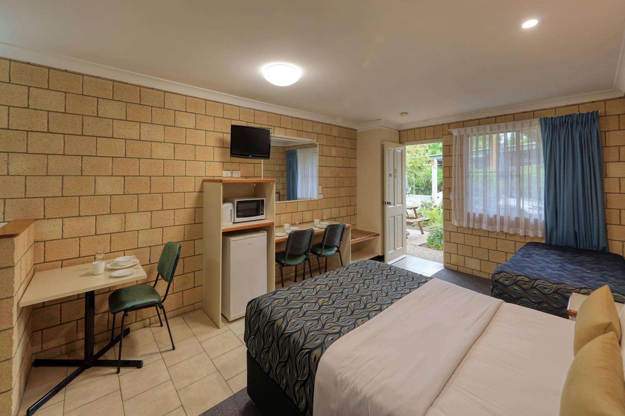 st-george-motel-family-room-(2)